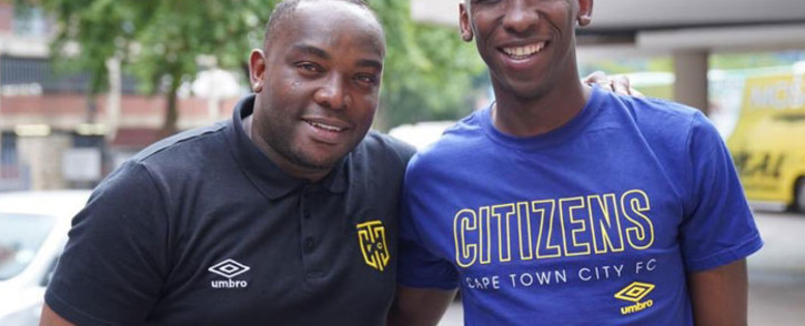Cape Town City FC coach Benni McCarthy with new signing Mark Mayambela. Picture: @CapeTownCityFC/Twitter.