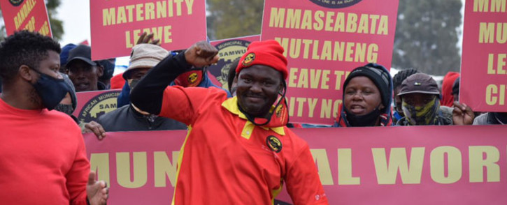 Samwu members protest in Pretoria on 1 June 2021. Picture: @SAMWUnion/Twitter