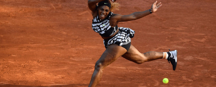 Serena Williams of the US returns the ball to Sofia Kenin of the US during their women's singles third round match on day seven of The Roland Garros 2019 French Open tennis tournament in Paris on 1 June, 2019. Picture: AFP.