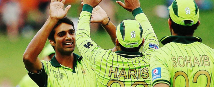FILE: Pakistani players huddle to celebrate a wicket. Picture: CWC website.