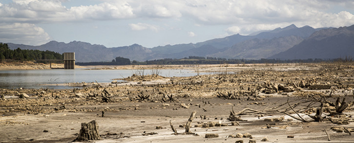 FILE: The water level of the Theewaterskloof Dam near Cape Town dropped to around 30 percent in March 2016. Picture: Aletta Harrison/EWN.