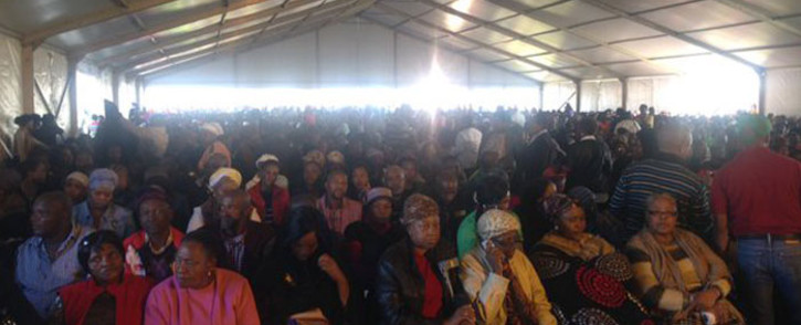 Kagiso residents have come in their numbers to remember at least 14 people killed in a taxi crash. Picture: Dineo Bendile/EWN