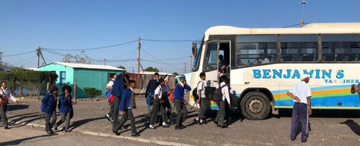 Learners walk to their school transportation in Beaufort West resumes on 17 January 2020. Picture: Jason Felix/EWN