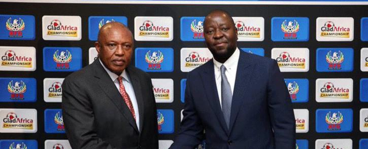 PSL chairman Irvin Khoza (L) with GladAfrica chairman Noel Mashaba on 1 August 2019. Picture: @OfficialPSL/Twitter.