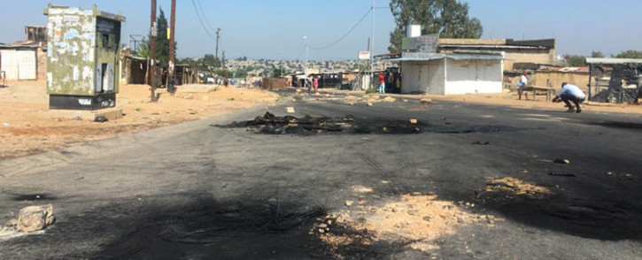 The Diepsloot Mall was stoned and several roads barricaded as residents protested against crime in the community. Picture: Edwin Ntshidi/EWN.