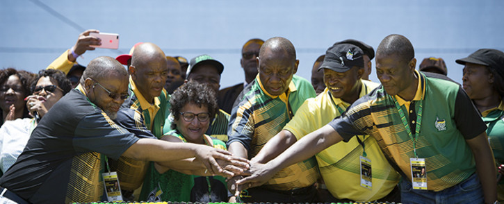 FILE: The ANC's top six cut the cake during its 106th birthday celebrations in East London. Picture: Sethembiso Zulu/EWN