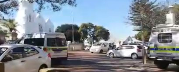 Screengrab of video widely shared on social media showing police chase of prisoners who escaped from the Malmesbury Prison on Friday, 23 July 2020. Picture: Twitter/@AmoreJoosteZA