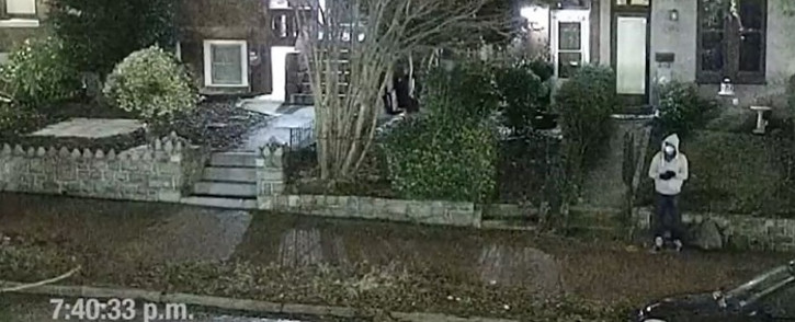 This screengrab made from surveillance footage released by the FBI on their official YouTube channel on March 9, 2021 shows the person suspected of placing pipe bombs in Washington, DC, on January 5, 2021. Picture: FBI/AFP.