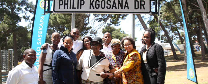 Mayor Patricia de Lille was joined by the Kgosnan's relatives at the unveiling today. Photo: Bertram Malgas