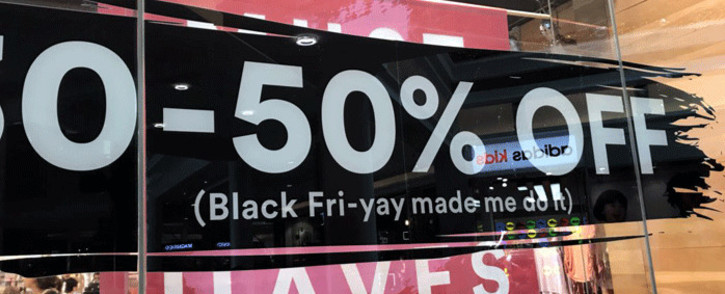 FILE: Shoppers flocked to local malls for Black Friday sales across the country on 24 November 2017. Picture: Lauren Isaacs/EWN
