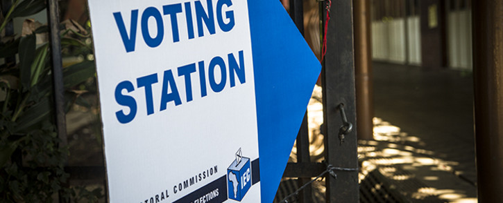 A voting station sign was put up at the Capital Hill primary school in Pretoria during voter registration on 06 March 2016. Picture: Reinart Toerien/EWN.