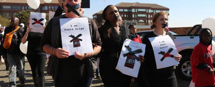 The three suspended SABC journalists - from left Foeta Krige, Thandeka Gqubule & Suna Venter. Picture: Christa Eybers/EWN.