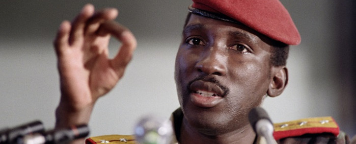 (FILES) In this file photo taken on September 2, 1986, Captain Thomas Sankara, President of Burkina Faso gives a press conference during a non-aligned summit in Harare. The trial of 14 men, including a former president, was set to begin in Burkina Faso on October 11, 2021, over the assassination of the country's revered revolutionary leader Thomas Sankara 34 years ago. Picture: Dominique Faget / AFP.