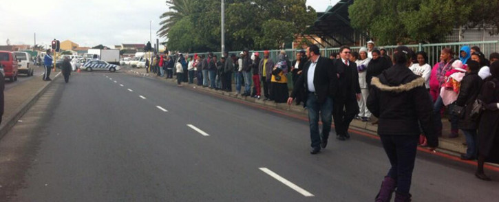 FILE: People were evacuated from the Mitchells Plain Magistrates Court on 27 June 2014 after a bomb scare ahead of the appearance of an alleged gang boss. Chanel September/EWN.