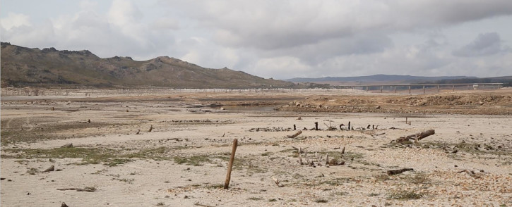 The water level at the Theewaterskloof Dam paints a bleak picture of the water crisis facing the Western Cape. Picture: Bertram Malgas/EWN