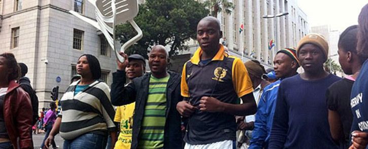 FILE: Housing protesters make their way in the Cape Town CBD on 30 October 2013. Picture: Graeme Raubenheimer/EWN.