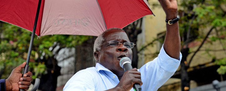 FILE: The President of Renamo, the Mozambique opposition political party, Afonso Dhlakama speaks to supporters, during a campaign rally for general elections in Maputo, Mozambique, 11 October 2014. Picture: EPA.
