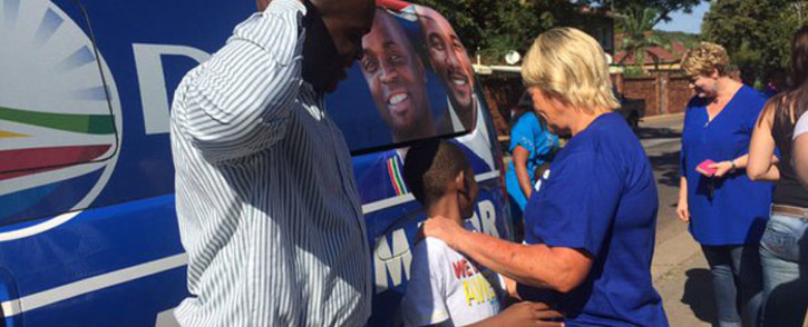 DA Tshwane mayoral candidate Solly Msimanga & Glynnis Breytenbach at Capital Park in Pretoria. Picture: Gia Nicolaides/EWN