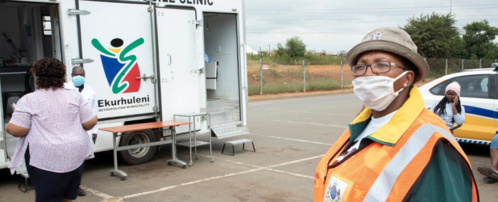 Gauteng Community Safety MEC Faith Mazibuko prepares for mobile testing at the Phumulani Mall in Thembisa during operations calling on people to test for Covid-19. Photo: Ahmed Kajee/EWN