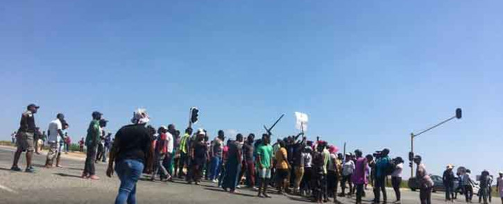 Diepsloot residents on 23 January 2020 barricaded several roads and looted shops belonging to foreign nationals. Residents said they were protesting against high levels of crime in the community. Picture: Edwin Ntshidi/EWN