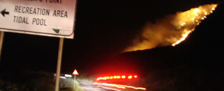 A fire on the mountain just past Millers Point in Cape Town, Thursday 19 July. Picture: Marisa Girardi/iWitness