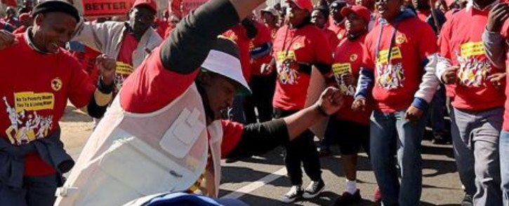 FILE: Eskom employees affiliated with the NUM on strike. Picture: Eyewitness News.