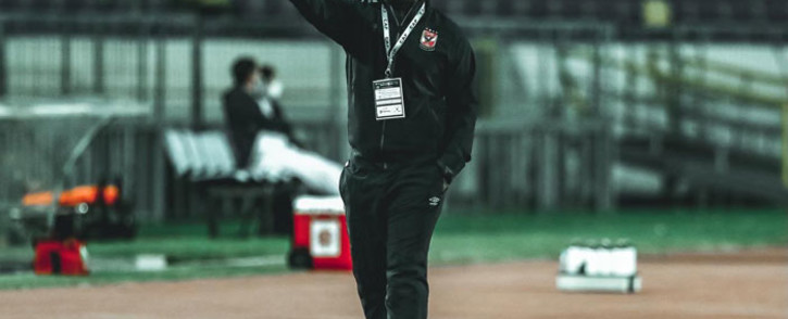 Al Ahly coach Pitso Mosimane gives the thumbs up after his side Wydad Casablanca beat in their CAF Champions League semifinal first leg matchon 17 October 2020. Picture: @AlAhlyEnglish/Twitter