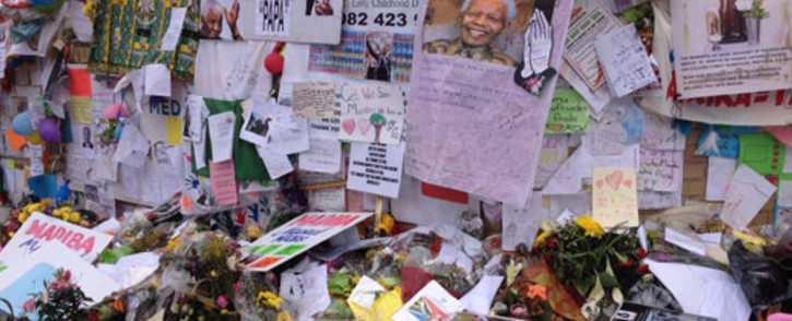 Hospital wall with well-wishes messages for former president Nelson Mandela. Picture:Christa Van der Walt/EWN
