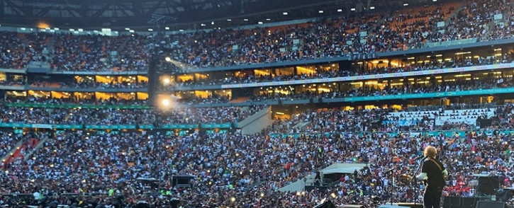 Thousands came out in numbers to the Global Citizen event at FNB Stadium on 2 December 2018. After the event, many took to social media to complain about the lack of security in the precinct. Picture: @GlblCtzn/Twitter
