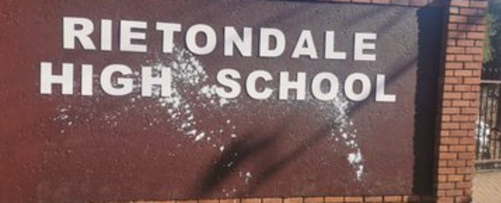The vandalised wall of Rietondale High. Picture: @Lesufi/Twitter.
