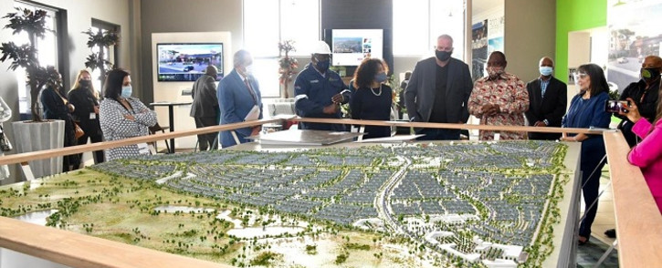 President Cyril Ramaphosa on 4 October 2020 launched the Mooikloof Mega Residential City project in Pretoria. Picture: @GovernmentZA/Twitter