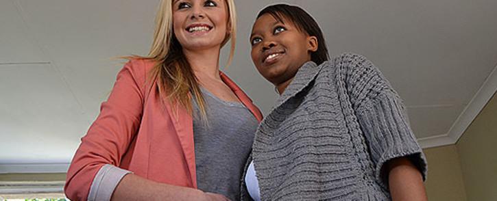 Jessica Leandra dos Santos and Tshidi Thamane meet. Picture: Tshepo Lesole/EWN