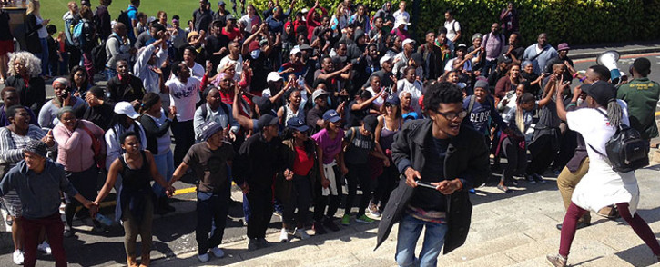 FILE: University of Cape Town students protest on campus grounds. Picture: Lauren Isaacs/EWN.