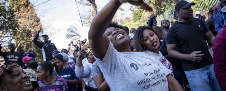 Alexandra protesters protest outside the City of Joburg offices in Sandton for better service delivery. Picture: Thomas Holder/EWN
