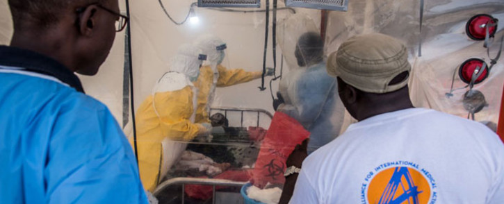FILE: Healthcare workers look after a patient with Ebola in the Democratic Republic of Congo. Johnson & Johnson will now introduce an Ebola vaccine. Picture: @WHO/Twitter.