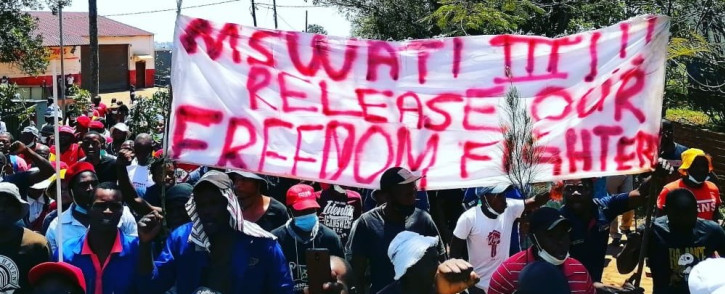 Residents of Siteki at the local police station to demand answers following the death of businessperson Nhlanhla Kunene, who was shot dead by police for allegedly breaching a curfew. Picture: Twitter