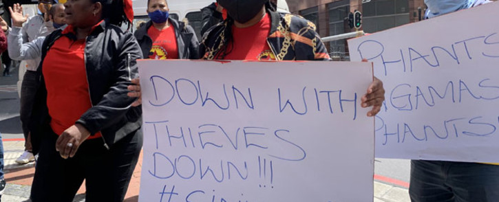 A group of Numsa-affiliated workers protested at the Labour Department's provincial head offices in Cape Town on 30 September 2020. Picture: Kaylynn Palm/EWN