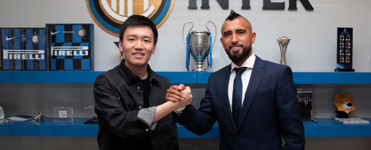 Inter Milan president Steven Zhang and midfielder Arturo Vidal following the completion of his signing with the club on 22 September 2020. Picture: @Inter_en/Twitter