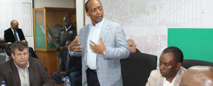 FILE: Patrice Motsepe speaks at a meeting. Picture: Twitter/@DMR_SA