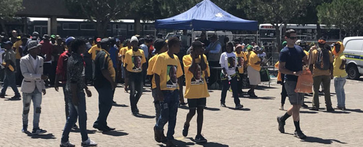 ANC supporters arrive at the Grand Parade in cape Town for the launch of the Nelson Mandela centenary celebrations on 11 February 2018. Picture: Monique Mortlock/EWN