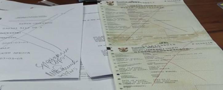 SA birth certificate. Picture: Vumani Mkhize/EWN.