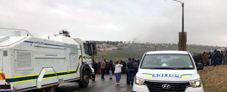 Caledon police maintained a heavy presence in Caledon on Thursday 4 April 2019 after two people were killed following service delivery protests. Picture: Cindy Archillies/EWN.