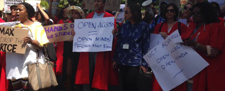 Academics, graduates, students and unions lead march at UCT on 23 October, 2015. Picture: Rahima Essop/EWN.
