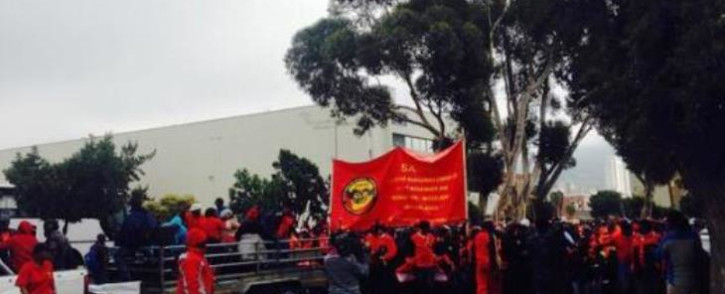 FILE: Samwu members march to the Civic Centre. Picture: EWN.