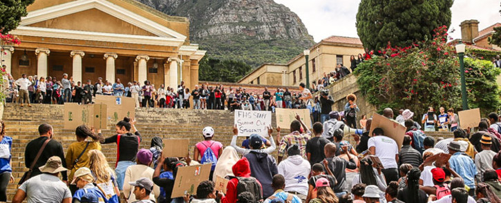FILE: UCT Fees2017 protesters march to Jameson Hall. Picture: EWN
