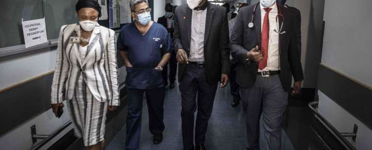 Health Minister Zweli Mkhize visited Steve Biko Hospital on 19 January 2021, as part of an oversight tour of Gauteng's healthcare facilities. Picture: Boikhutso Ntsoko/Eyewitness News