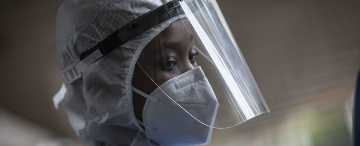 A healthcare worker at the Nasrec Field Hospital in Johannesburg. Picture: Abigail Javier/Eyewitness News