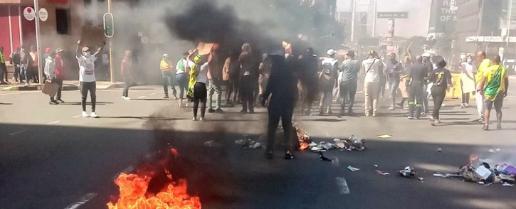 Protest action by students in the Braamfontein Precinct. Jorrisen, Bertha & De Korte Str affected. Picture: @JoburgMPD/Twitter.