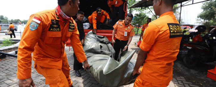 FILE: Members of a rescue team prepare to search for survivors from the Lion Air flight JT 610, which crashed into the sea, at Jakarta seaport on 29 October, 2018. Picture: AFP.