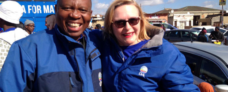 DA Joburg Mayoral Candidate Herman Mashaba and WC Premier Helen Zille campaigning in Alexandra . Picture: Masego Rahlaga/EWN.